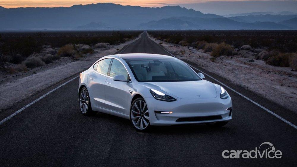 Tesla-Model-3-27_besblh.jpg