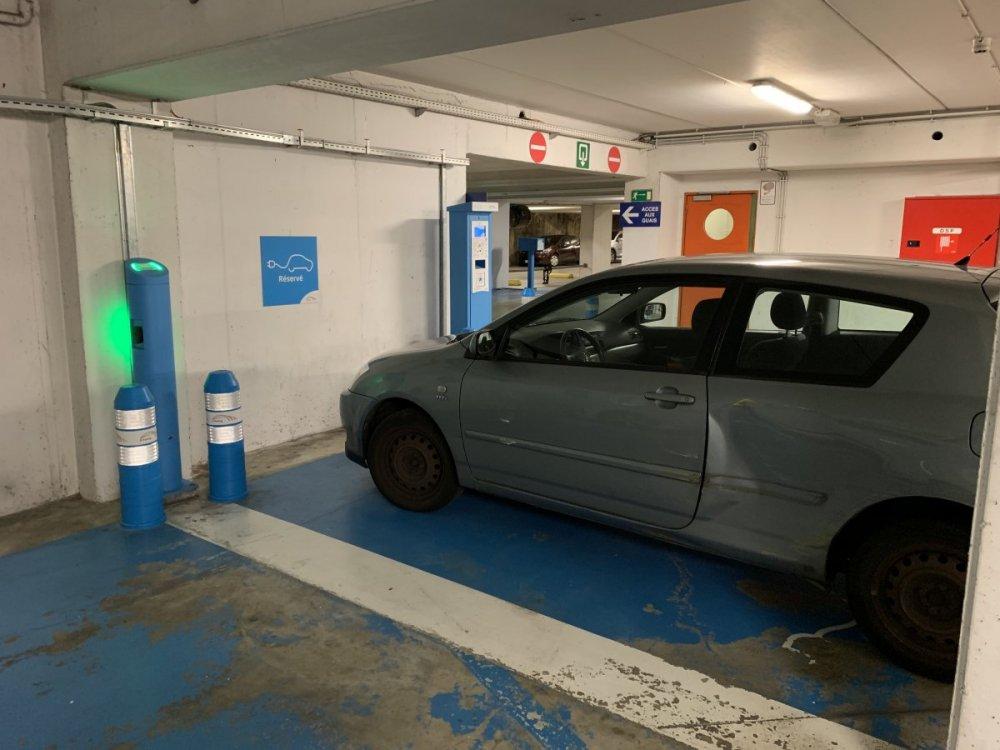 Un automobiliste sur une place de recharge II - Page 7 B2ABA1FD-0A94-435E-A035-C6F310370C94.thumb.jpeg.234870728f5c0bb8098b5a1b823bc198