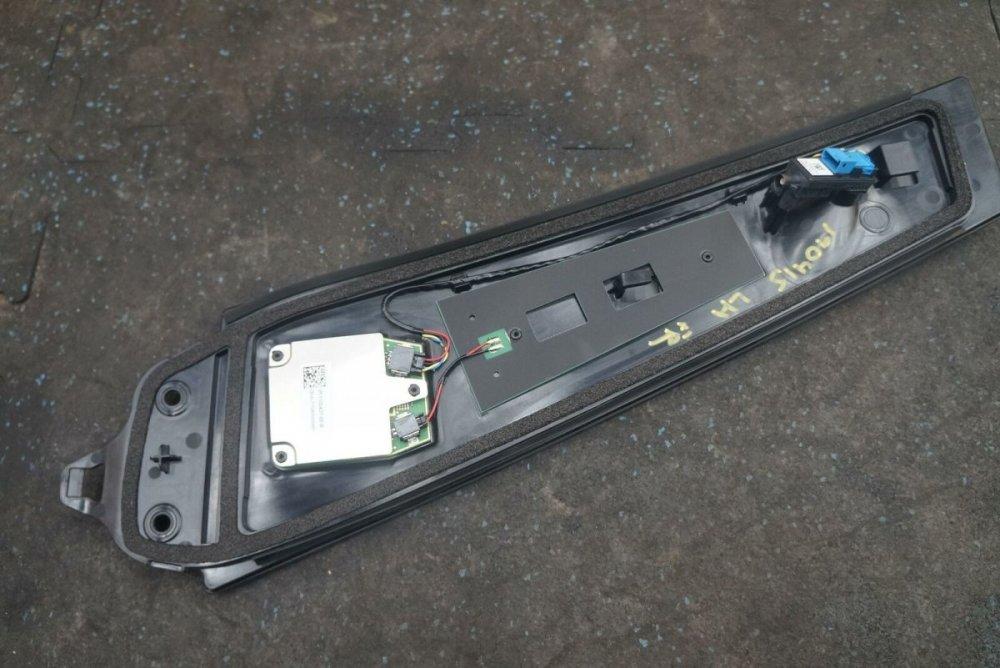 Left-Side-B-Pillar-Trim-Applique-Camera-Panel-1109253-00-E-Tesla-Model-3-2018-273925313719-3.JPG