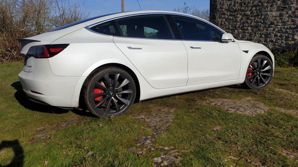 Tesla Model 3 Performance .jpg