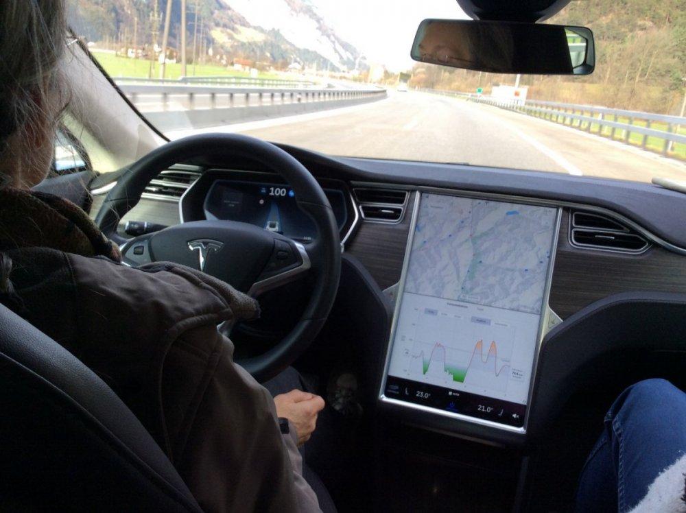 Zurich Tesla S.JPG