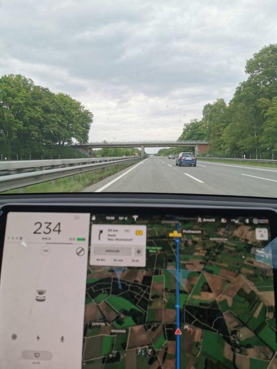 Vitesse max Tesla.jpg