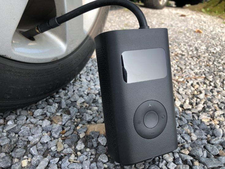 Xiaomi-compressor-air-pump-car-tyre.jpg.04813965b535a46d2a552e5d2bc291fe.jpg