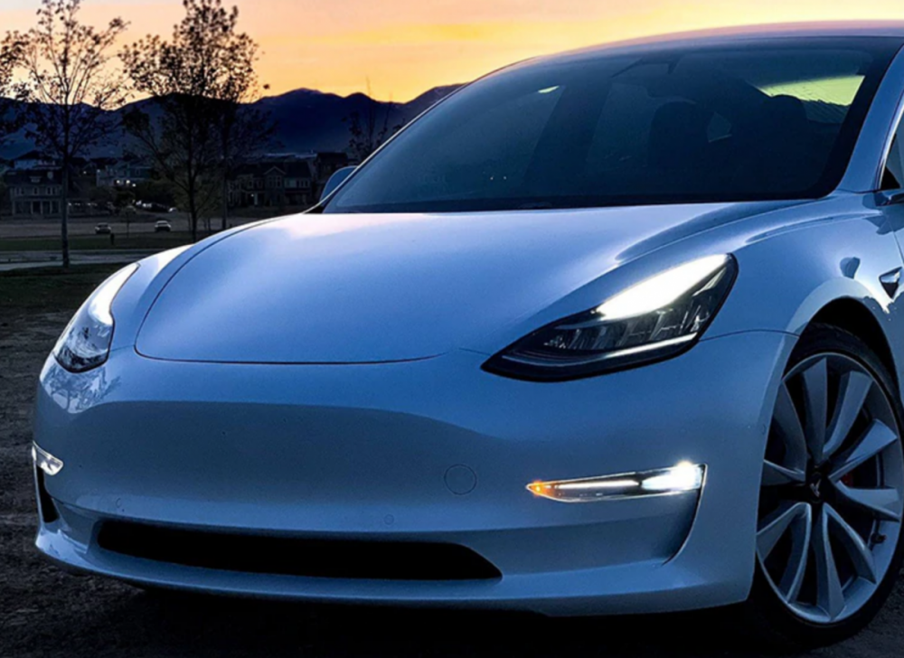 AntiBrouillard Tesla Model 3 SR-3.png