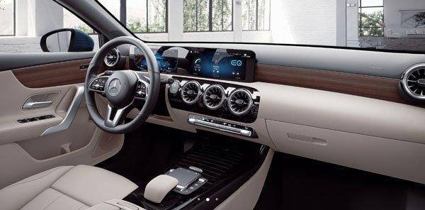 Commande - Mercedes A250e - int passager.jpg