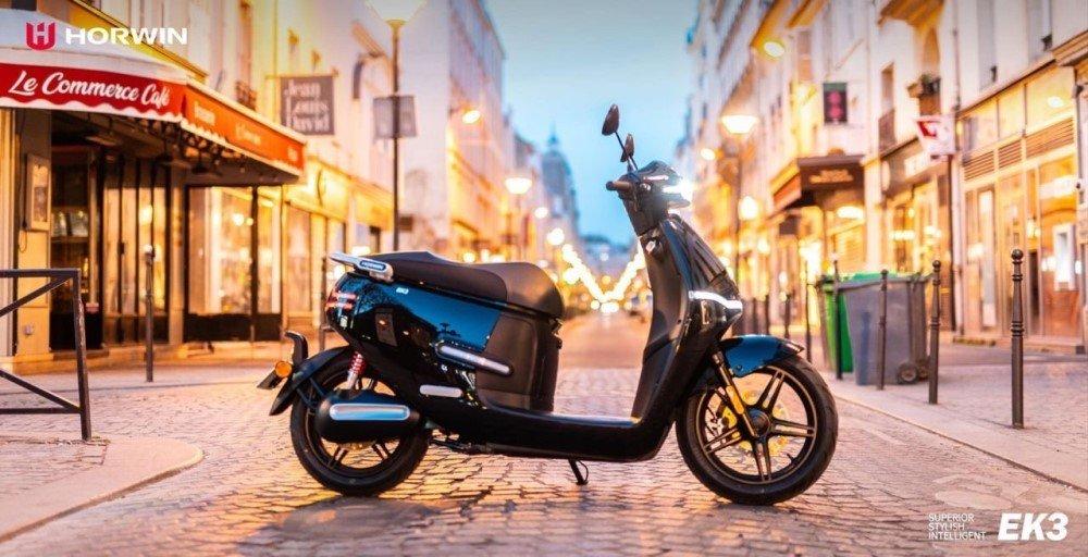 scooter_électrique_horwin_ek3_noir_paris.jpg